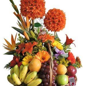 Arreglo frutal, naranja, flores