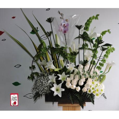 Arreglo floral blanco