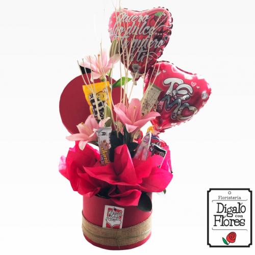 Ancheta con flores, chocolates y globos