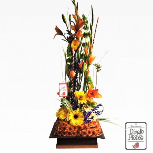 Altar de flores tropicales y exóticas