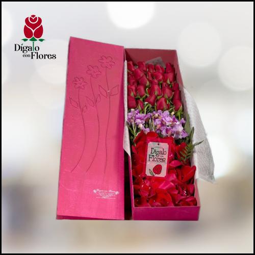 Rosas rOJAS CON ORQUÍDEAS EN HERMOSA CAJA